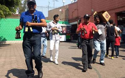 Resultado de imagen para Retiran venta de cervezas en mercado de Iztacalco