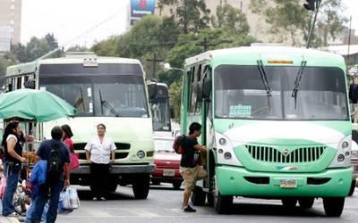 Piden transportistas capitalinos aumento de 2 pesos a las